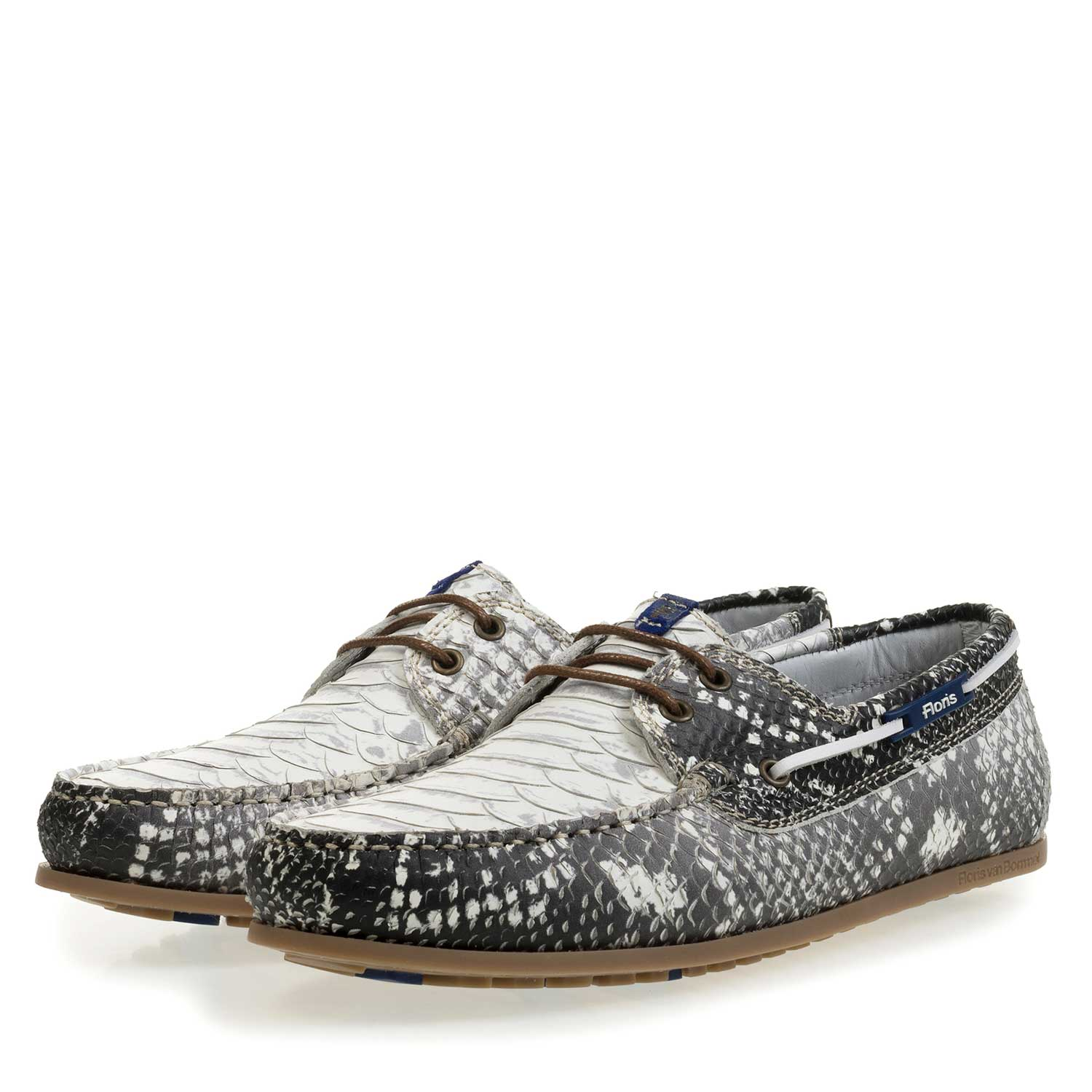 15035/05 - Grey leather boat shoe with snake print